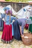 Κορίτσια που εργάζονται - θέαμα στοκ φωτογραφία με δικαίωμα ελεύθερης χρήσης