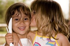 κορίτσια που παίζουν δύο στοκ εικόνες με δικαίωμα ελεύθερης χρήσης