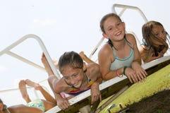 κορίτσια που παίζουν τι&sigmaf Στοκ φωτογραφία με δικαίωμα ελεύθερης χρήσης