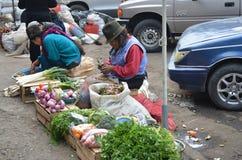 Κορίτσια σε μια αγορά του Ισημερινού Στοκ Εικόνα