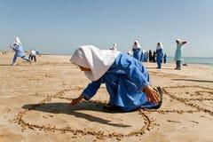 Κορίτσια στη θάλασσα στοκ φωτογραφία με δικαίωμα ελεύθερης χρήσης