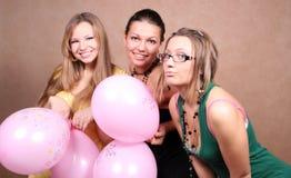 κορίτσια τρία μπαλονιών Στοκ Φωτογραφίες