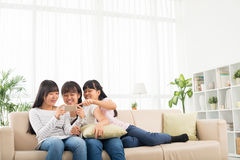 κορίτσια χαρούμενα Στοκ φωτογραφίες με δικαίωμα ελεύθερης χρήσης