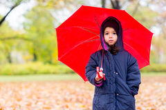 κορίτσι λίγη ομπρέλα κάτω Στοκ φωτογραφίες με δικαίωμα ελεύθερης χρήσης