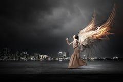Κορίτσι αγγέλου στο φόρεμα Στοκ Εικόνα