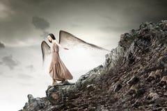 Κορίτσι αγγέλου στο φόρεμα Στοκ φωτογραφίες με δικαίωμα ελεύθερης χρήσης