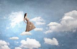 Κορίτσι αγγέλου στο φόρεμα Στοκ φωτογραφία με δικαίωμα ελεύθερης χρήσης