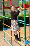 κορίτσι αναρριμένος πλαι&si Στοκ φωτογραφία με δικαίωμα ελεύθερης χρήσης