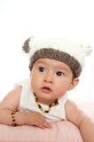 κορίτσι ανασκόπησης μωρών ευτυχές πέρα από το λευκό χαμόγελου Στοκ εικόνες με δικαίωμα ελεύθερης χρήσης