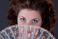 κορίτσι ανεμιστήρων brunette προ& Στοκ Εικόνες