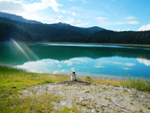 κορίτσι από τη λίμνη Στοκ Φωτογραφίες