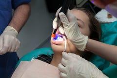 Κορίτσι από τον οδοντίατρό της Στοκ Εικόνα