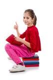κορίτσι βιβλίων λίγη ανάγν&omeg Στοκ εικόνες με δικαίωμα ελεύθερης χρήσης