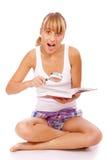 κορίτσι βιβλίων πιό magnifier Στοκ φωτογραφία με δικαίωμα ελεύθερης χρήσης