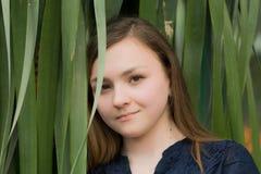 Κορίτσι Βικτώρια στον κήπο Στοκ Εικόνα