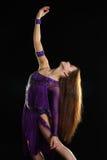 Κορίτσι-βλέμμα χορού Στοκ φωτογραφία με δικαίωμα ελεύθερης χρήσης