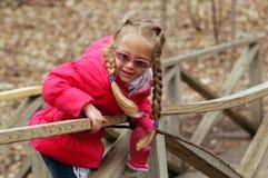 κορίτσι γεφυρών Στοκ εικόνα με δικαίωμα ελεύθερης χρήσης