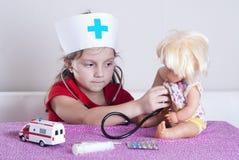 κορίτσι γιατρών λίγα Στοκ φωτογραφία με δικαίωμα ελεύθερης χρήσης