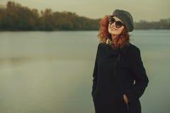 Κορίτσι γκρίζο beret Στοκ Εικόνες