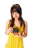 κορίτσι δώρων κιβωτίων Στοκ εικόνα με δικαίωμα ελεύθερης χρήσης