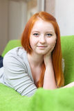 Κορίτσι εφήβων στο σπίτι Στοκ φωτογραφίες με δικαίωμα ελεύθερης χρήσης
