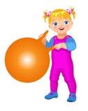 Κορίτσι λεωφόρων με το fitball Στοκ Εικόνες