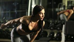 Κορίτσι ικανότητας στη γυμναστική απόθεμα βίντεο