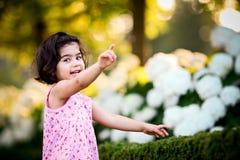 κορίτσι κήπων λουλουδιών Στοκ Εικόνα