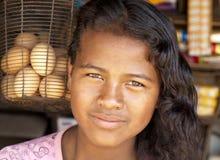 Κορίτσι και αυγά Στοκ φωτογραφία με δικαίωμα ελεύθερης χρήσης
