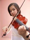 Κορίτσι και βιολί Στοκ Φωτογραφία