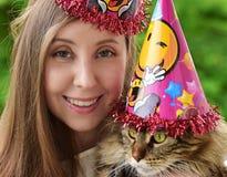 Κορίτσι και γάτα στοκ εικόνα