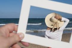 Κορίτσι και η θάλασσα Στοκ Φωτογραφίες