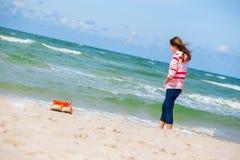 Κορίτσι και η θάλασσα Στοκ Εικόνα