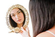 Κορίτσι και καθρέφτης Στοκ εικόνες με δικαίωμα ελεύθερης χρήσης