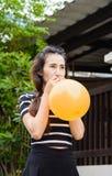 Κορίτσι και μπαλόνι Στοκ εικόνα με δικαίωμα ελεύθερης χρήσης