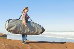 Κορίτσι κυματωγών στοκ φωτογραφία με δικαίωμα ελεύθερης χρήσης