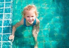 κορίτσι λίγη λίμνη Στοκ Εικόνα