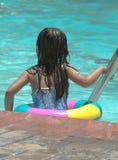 κορίτσι λίγη λίμνη Στοκ Εικόνες