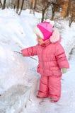 κορίτσι λίγος outerwear όμορφος χειμώνας Στοκ Εικόνες