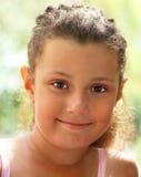 κορίτσι λίγο όμορφο χαμόγ&epsi Στοκ Φωτογραφίες