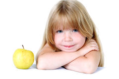 κορίτσι μήλων λίγα κίτρινα Στοκ φωτογραφίες με δικαίωμα ελεύθερης χρήσης