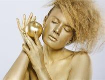 κορίτσι μήλων χρυσό Στοκ φωτογραφία με δικαίωμα ελεύθερης χρήσης