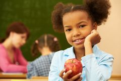 κορίτσι μήλων Στοκ εικόνα με δικαίωμα ελεύθερης χρήσης