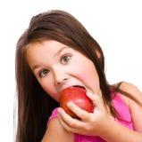 κορίτσι μήλων λίγα κόκκινα Στοκ φωτογραφία με δικαίωμα ελεύθερης χρήσης