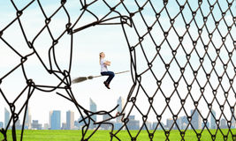 Κορίτσι μαγισσών στη σκούπα Στοκ εικόνα με δικαίωμα ελεύθερης χρήσης