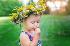 κορίτσι μαργαριτών μωρών λί&gamma Στοκ εικόνες με δικαίωμα ελεύθερης χρήσης