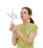 Κορίτσι με έναν ανεμόμυλο Στοκ φωτογραφία με δικαίωμα ελεύθερης χρήσης
