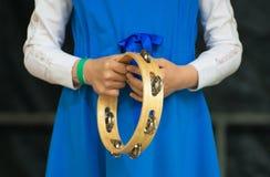 Κορίτσι με ένα ντέφι Στοκ Φωτογραφίες