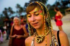 Κορίτσι με ένα πρότυπο χρώματος στο πρόσωπο Στοκ Εικόνες