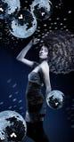 Κορίτσι με πολλές σγουρές σφαίρες τρίχας και disco Στοκ Εικόνα